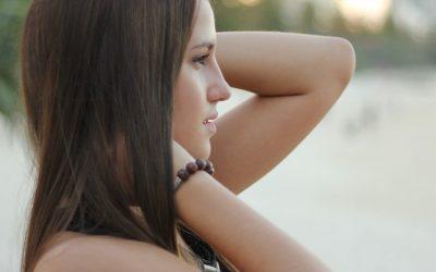 Hilfe bei Keratosis Pilaris – was hilft wirklich gegen Reibeisenhaut?